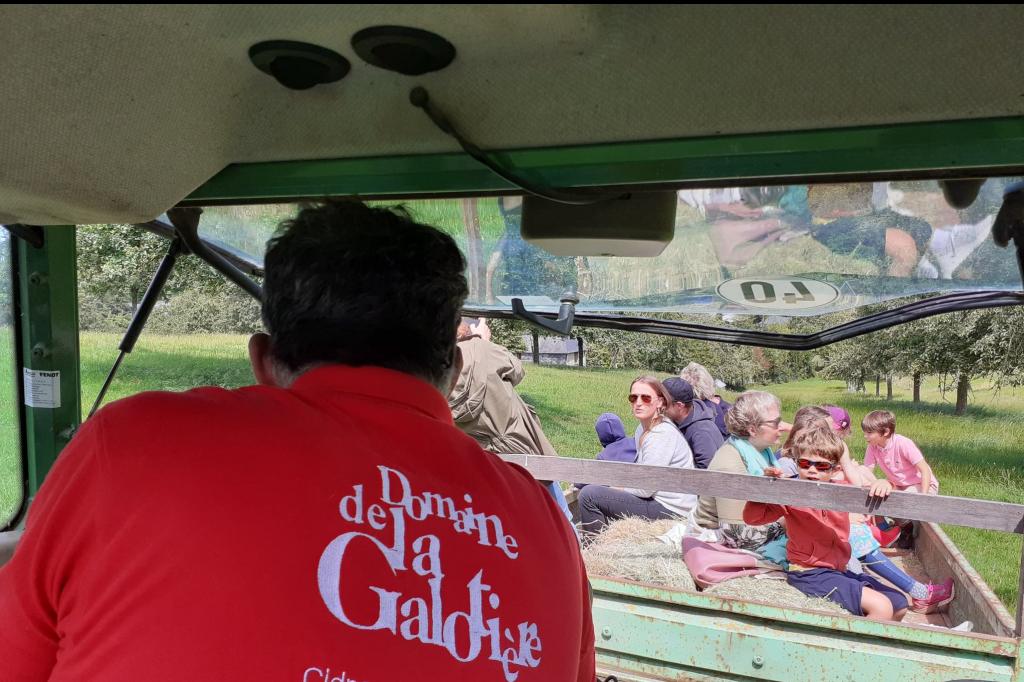 Visites des vergers en tracteur